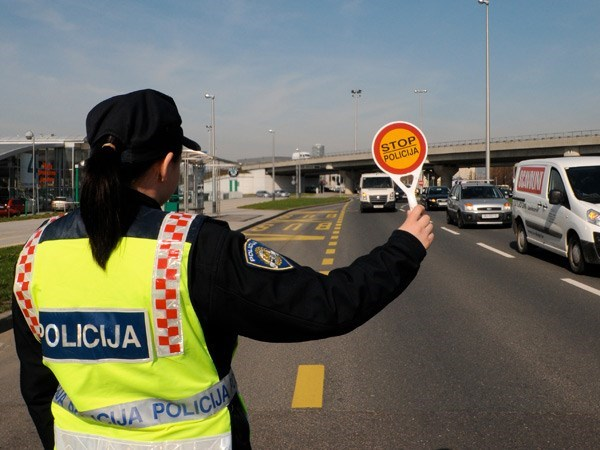 Policija-gužve
