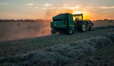 poljoprivreda zemljište traktor